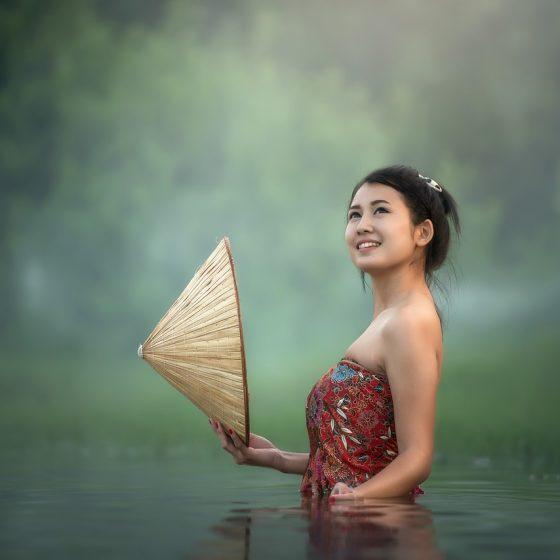 tajskie kosmetyki, azjatyckie kosmetyki, naturalne kosmetyki, przepisy, DIY, wielka księga kosmetyków naturalnych, rytuały piękna i sekretne receptury z różnych stron świata