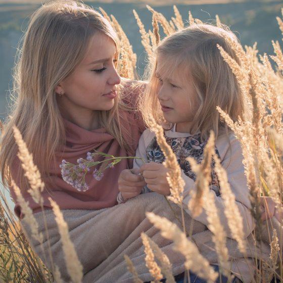 perfumy, kosmetyki naturalne dla dzieci, przepisy diy, wielka księga kosmetyków naturalnych, rytuały piękna i sekretne receptury