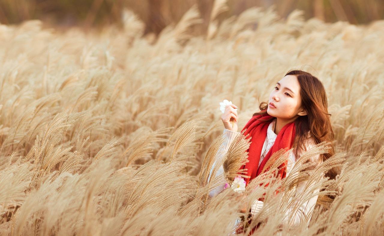 kosmetyki naturalne, przepisy na kosmetyki, diy, azjatyckie kosmetyki, chińskie kosmetyki, wielka księga kosmetyków naturalnych, rytuały piękna i sekretne receptury z różnych stron świata, marta marakchi, ewa potocka