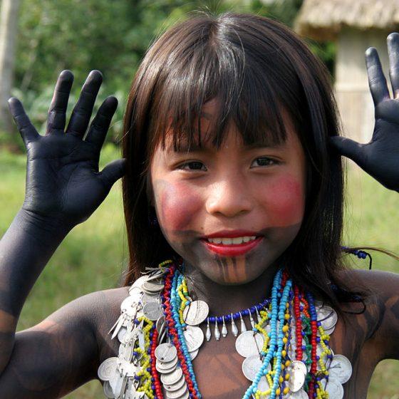tymczasowy tatuaż naturalny, kosmetyki naturalne, jak kobiety z różnych stron świata dbają o urodę, rytuały piękna, sekrety urody, indiańskie kosmetyki, Amazonia Fot. Yves Picq / en.wikipedia.org CC