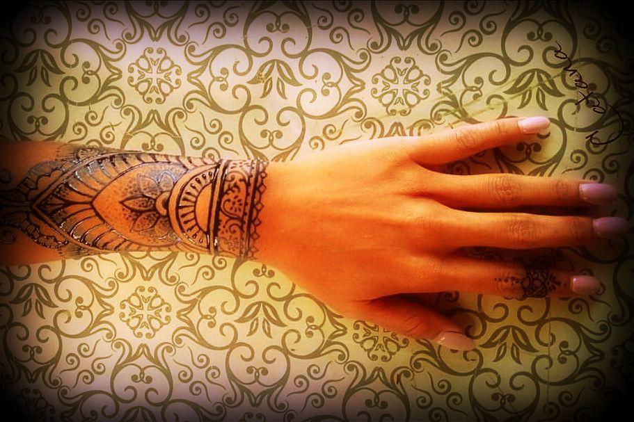 tymczasowy tatuaż naturalny, kosmetyki naturalne, jak kobiety z różnych stron świata dbają o urodę, rytuały piękna, sekrety urody, indiańskie kosmetyki, Amazonia