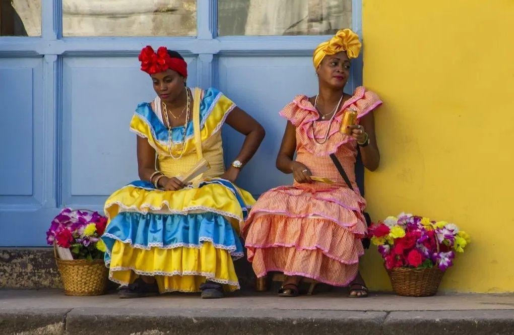 Cascarilla – kubański puder do twarzy. DIY, kosmetyki naturalne domowe, rytuały piękna, jak kobiety z różnych stron świata dbają o urodę